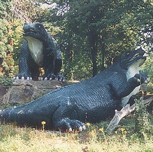 Crystal Palace Iguanodon statutes